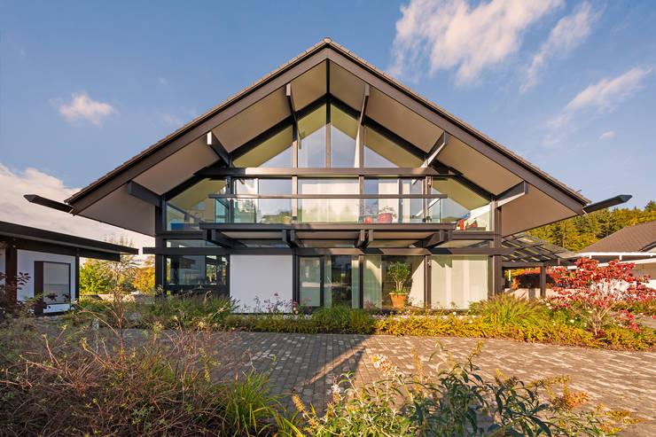 Casas modernas por HUF HAUS GmbH u. Co. KG