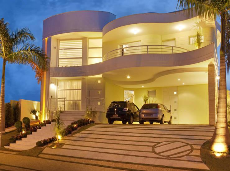 Casa Mercury: Casas  por Arquiteto Aquiles Nícolas Kílaris,Moderno