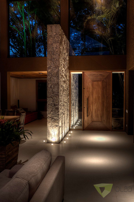 Casa de Campo Quinta do Lago - Tarauata: Corredores e halls de entrada  por Olaa Arquitetos