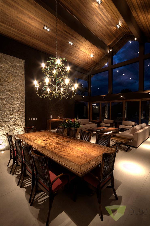 Casa de Campo Quinta do Lago - Tarauata: Salas de jantar  por Olaa Arquitetos