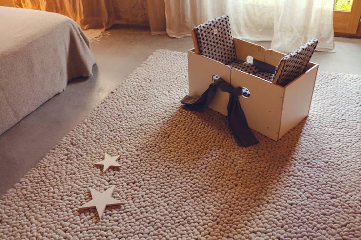 SILLA BEBÉ OSIT: Habitaciones infantiles de estilo  de nuun kids design