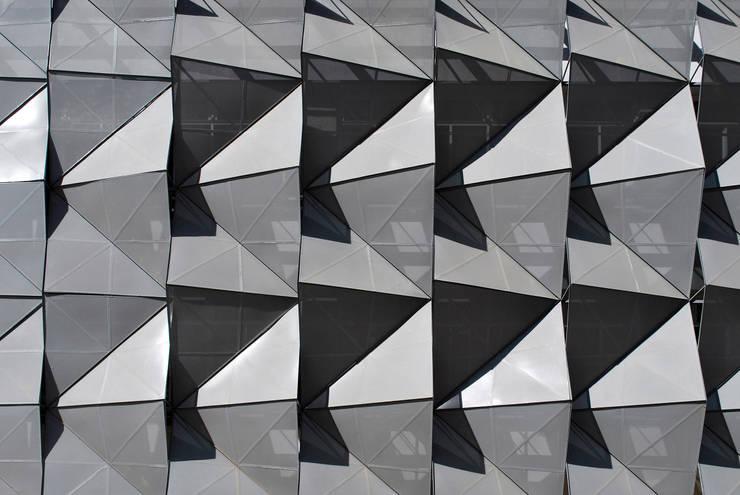 Fachada Edificio de Software IJALTI: Edificios de Oficinas de estilo  por LEAP Laboratorio en Arquitectura Progresiva