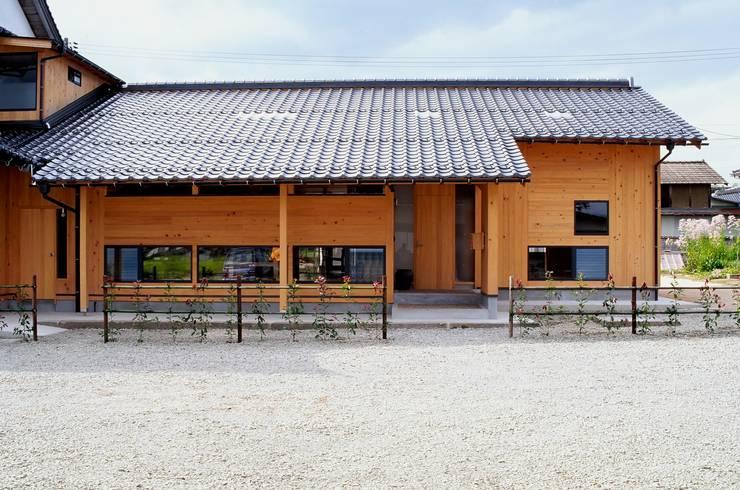 正面からの眺め: katachitochikaraが手掛けた家です。