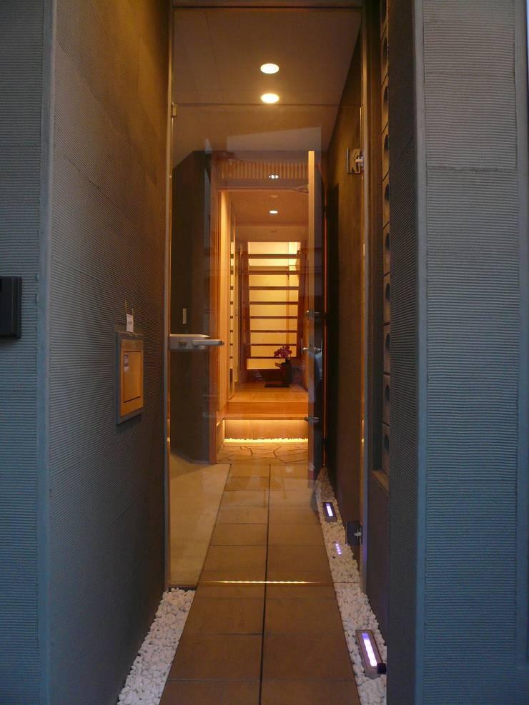 伏見の家: 西川真悟建築設計が手掛けた家です。
