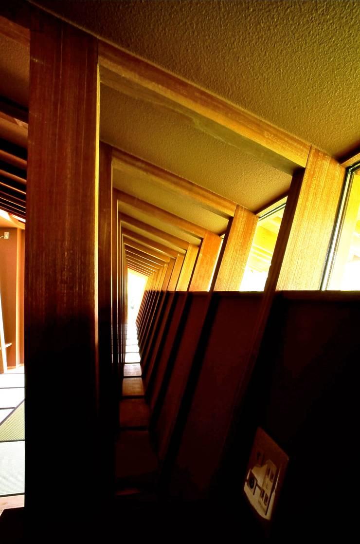 構造体と開口部の関係 アジア・和風の 窓&ドア の katachitochikara 和風