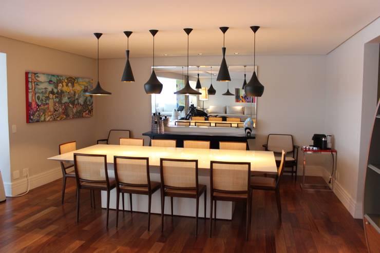 Sala de jantar: Salas de jantar  por Nataly Aguiar Interiores