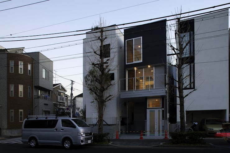 light-form: 岡村泰之建築設計事務所が手掛けた家です。