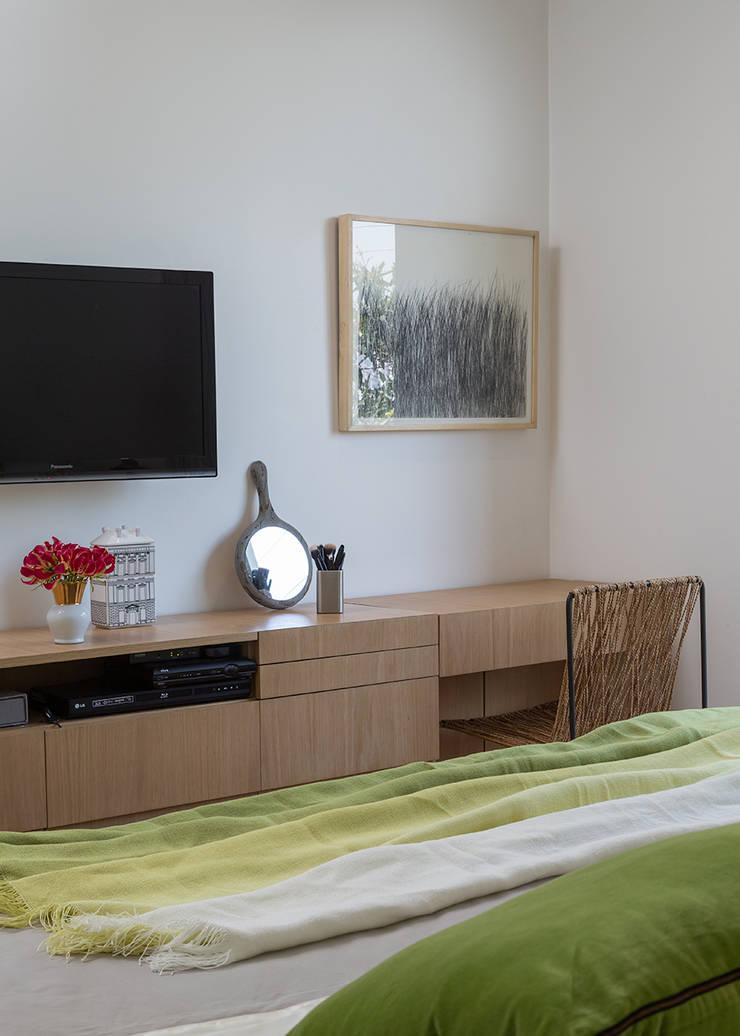 Residencia da Esquina: Quartos  por SALA2 arquitetura e design