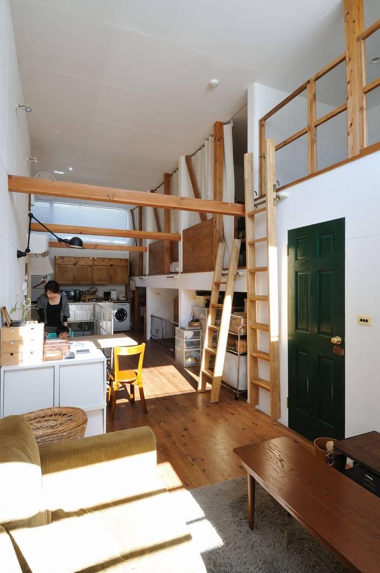good-shelf: 岡村泰之建築設計事務所が手掛けたダイニングです。