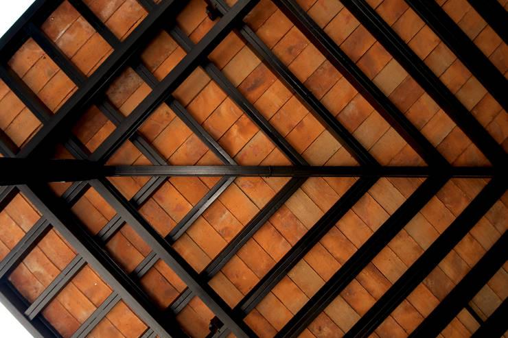 Terrazas de estilo  por Forma Taller