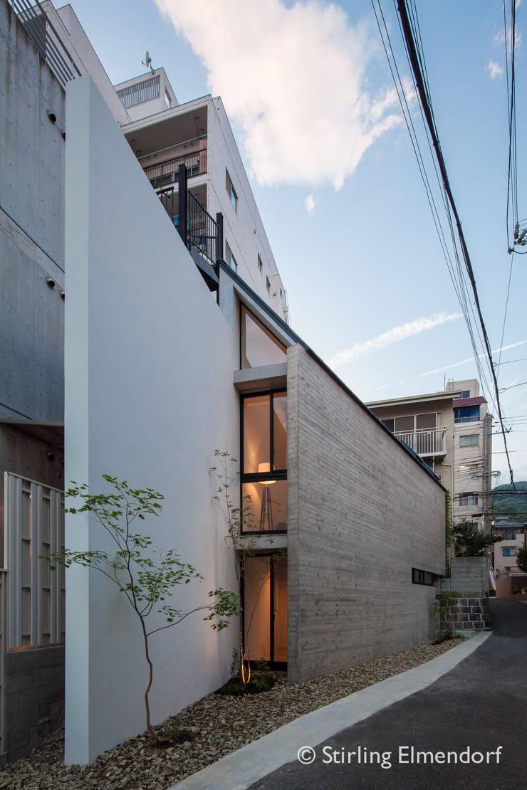 夕景: fujihara architectsが手掛けた家です。,