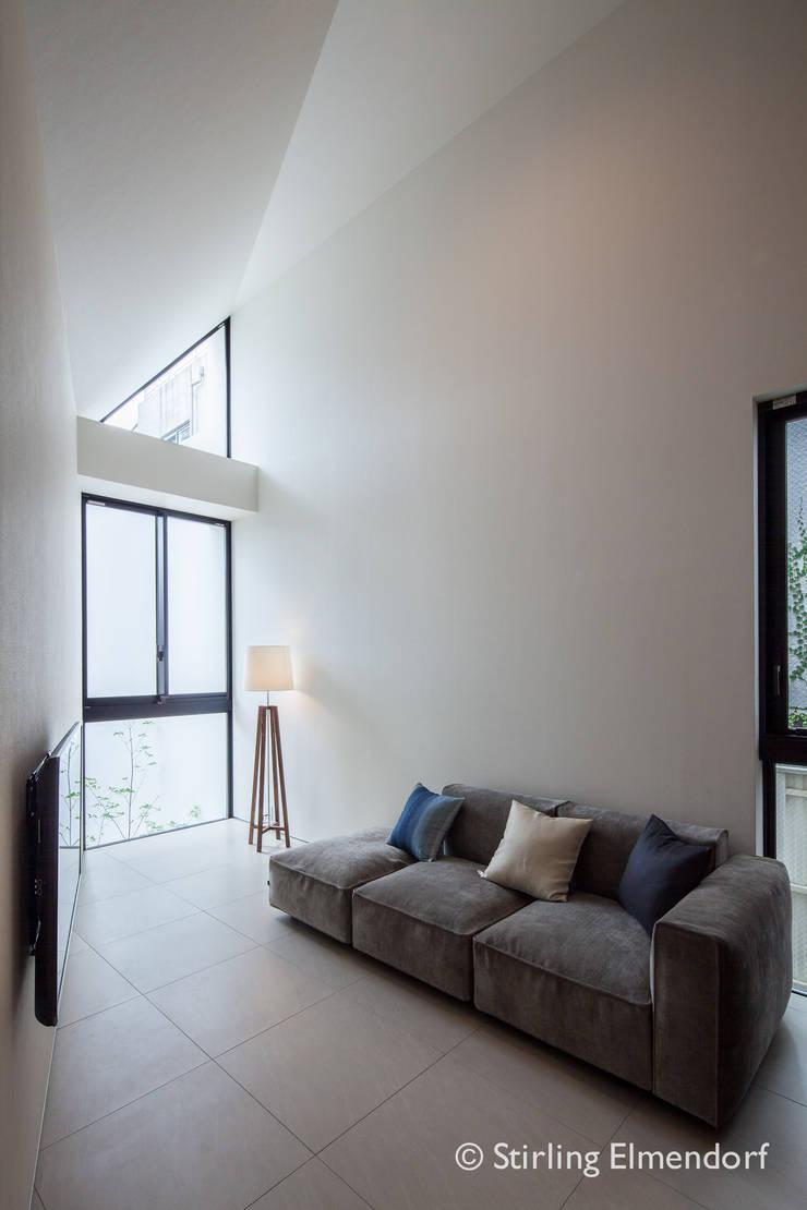 リビング1: fujihara architectsが手掛けたリビングです。,