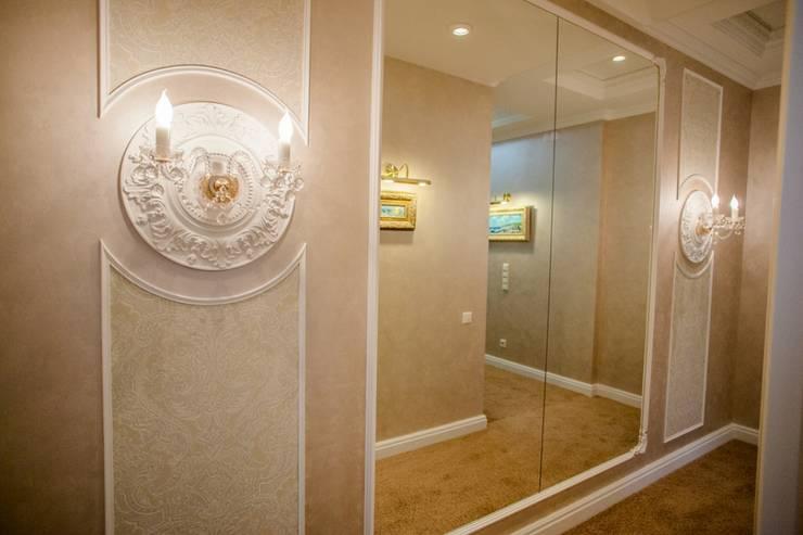 Демо-квартира: Коридор и прихожая в . Автор – Center of interior design