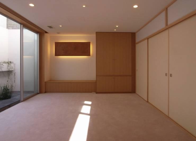 地下稽古場前室 オリジナルデザインの 多目的室 の 株式会社エキップ オリジナル