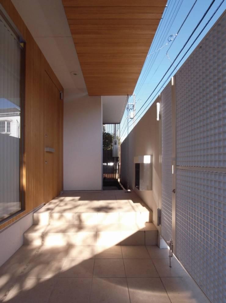玄関 オリジナルデザインの テラス の 株式会社エキップ オリジナル