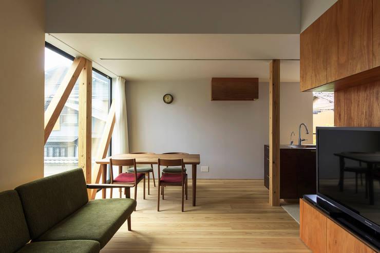 Y-House: タカヤマ建築事務所が手掛けたダイニングです。