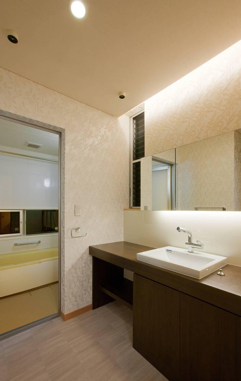 つながった空間に暮らす家: エヌスペースデザイン室が手掛けた浴室です。