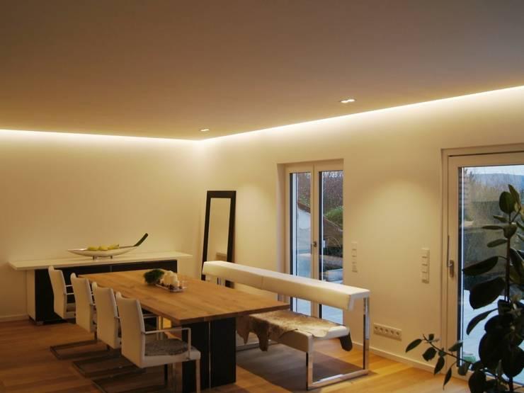 غرفة السفرة تنفيذ Bolz Planungen für Licht und Raum
