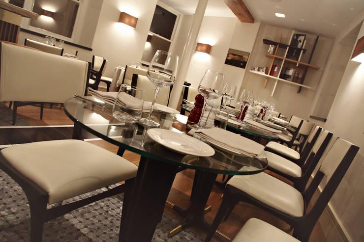 Ristorante Salotto & Roda – Londra: Gastronomia in stile  di Archifacturing,