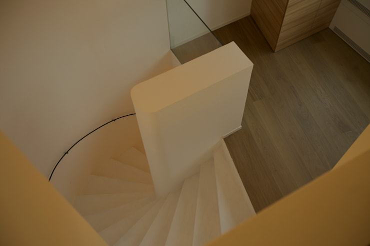 treppe:  Flur & Diele von 3rdskin architecture gmbh