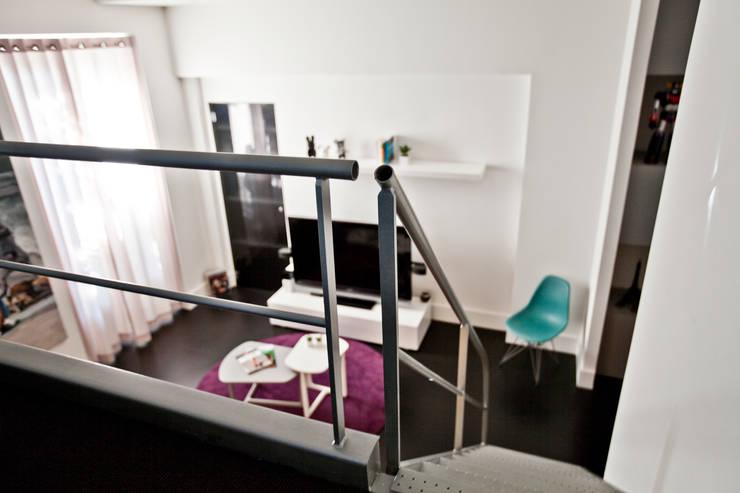 Studio 30 m2 Nice: Couloir et hall d'entrée de style  par ND ARCHITECTURE D'INTERIEUR