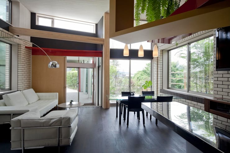 Dining room by 有限会社加々美明建築設計室, Eclectic