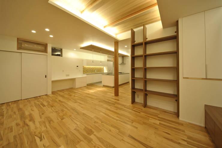 音楽室のある家: エヌスペースデザイン室が手掛けたダイニングです。