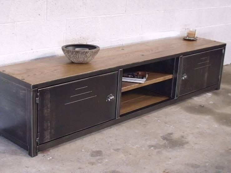 Nos meubles tv de style industriel par micheli design homify - Meuble metal industriel ...