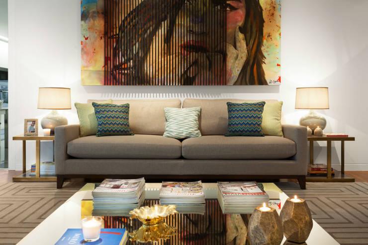 غرفة المعيشة تنفيذ Ana Rita Soares- Design de Interiores