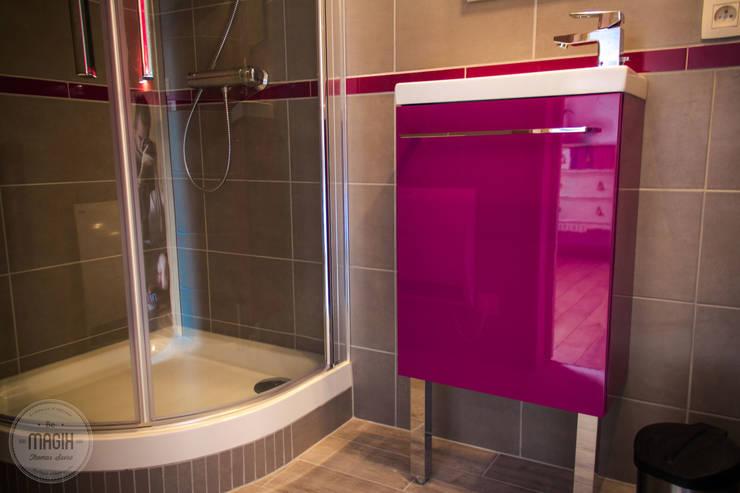"""Gîte """"Les lapins"""": Salle de bain de style  par DONATIENNE PARISSE architecte d'intérieur"""