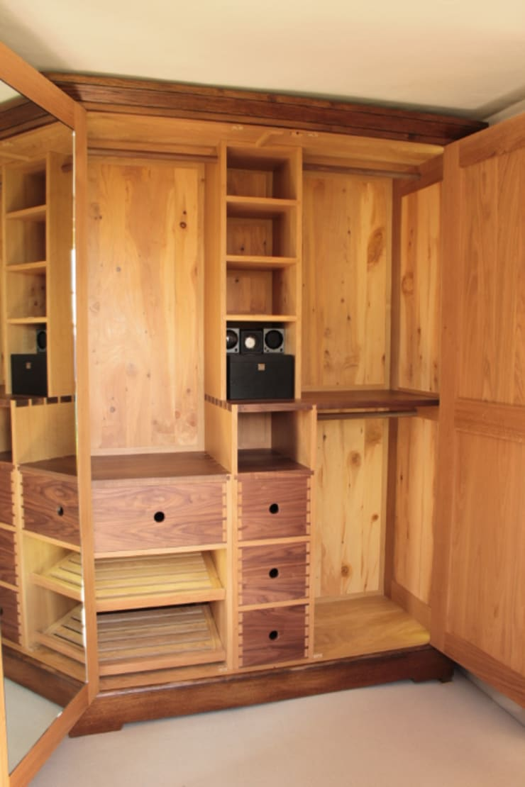 Bespoke Armoire:  Dressing room by Future Antiques