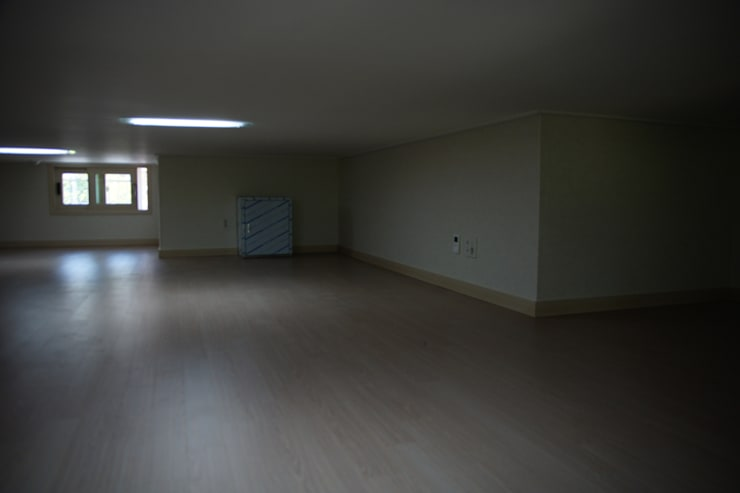 수완진 아리채3차 Before: 유노디자인의  거실,모던