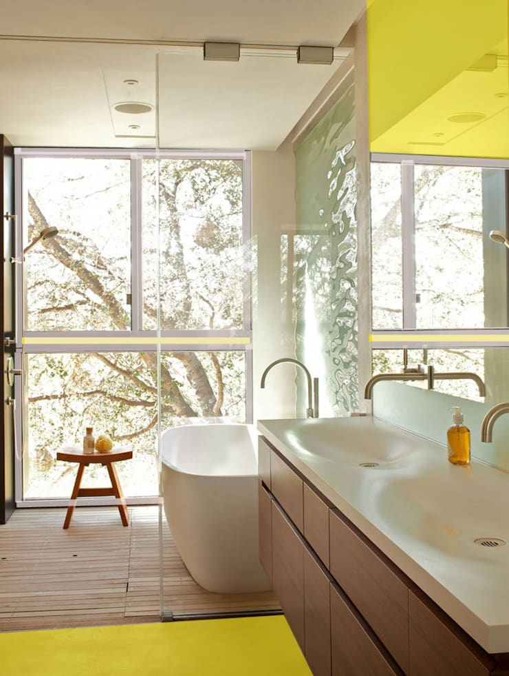 Edificio residenziale : Bagno in stile  di Studio d'arte e architettura Ana D'Apuzzo,