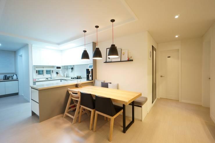 Projekty,  Kuchnia zaprojektowane przez 유노디자인