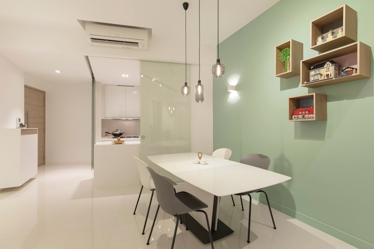 D'Leedon: minimalistic Living room by Eightytwo Pte Ltd