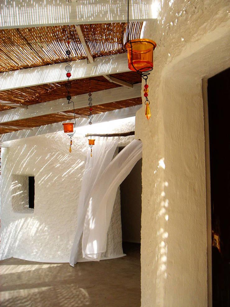 Casa Punta Rasa. Formentera. 2007: Terrazas de estilo  de Deu i Deu