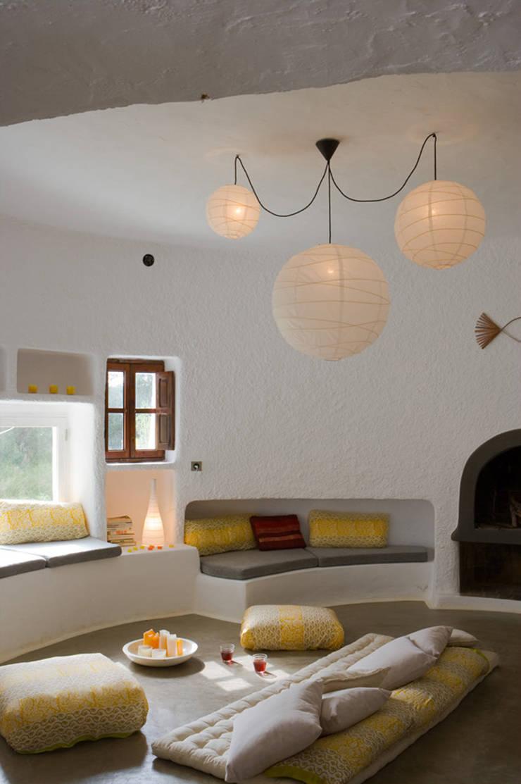 Casa Punta Rasa: Salones de estilo  de Deu i Deu