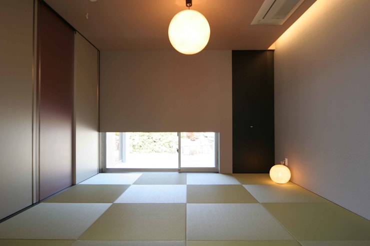 DJ-HOUSE: SPACE101建築事務所が手掛けた和室です。