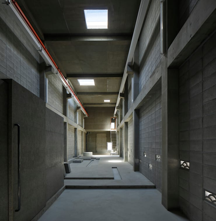 KAIGAN-U: 建築設計事務所 可児公一植美雪/KANIUE ARCHITECTSが手掛けた和室です。