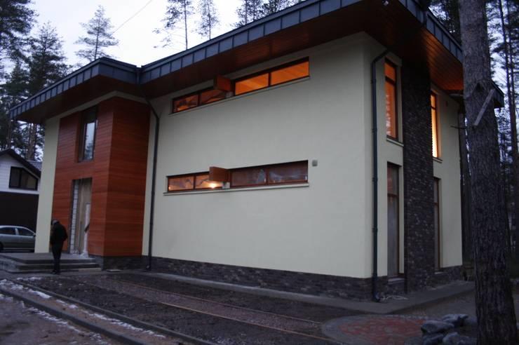 Модерн под Райта в Белоострове: Дома в . Автор – АРХ студия Антона Никитина