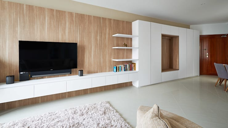 The Bayshore: modern Living room by Eightytwo Pte Ltd