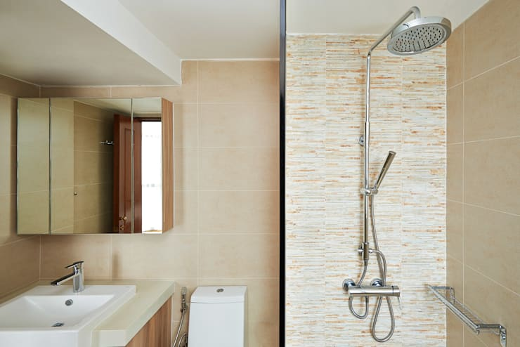 The Bayshore:  Bathroom by Eightytwo Pte Ltd