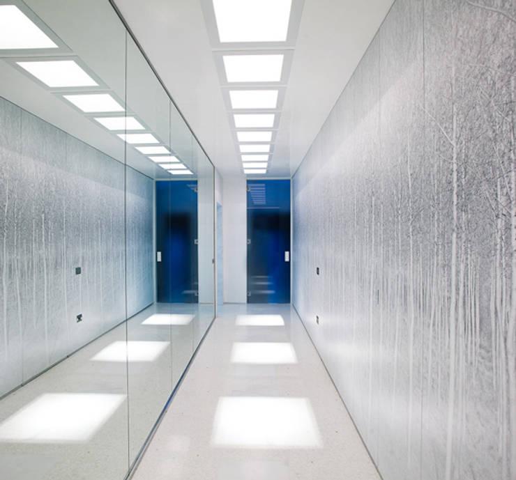 Foto per interior design - ingresso-corridoio dopo:  in stile  di Alessandro Donaggio - design and fine art photography