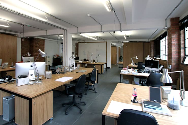 Office refurbishment, Berry St. EC1:  Offices & stores by Tendeter