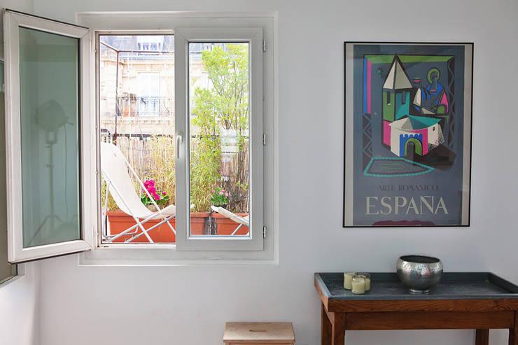 Balcon sur salon: Terrasse de style  par 2design