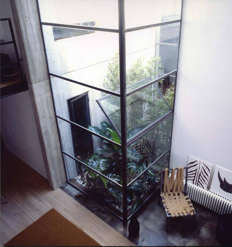 loft gemelli: Terrazza in stile  di antonio maria becatti architetto
