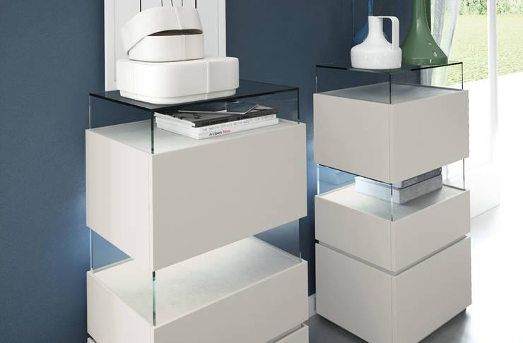 Dormitorio URBAN con inserciones de cerámica de EMEDE: Dormitorios de estilo  de EMEDE