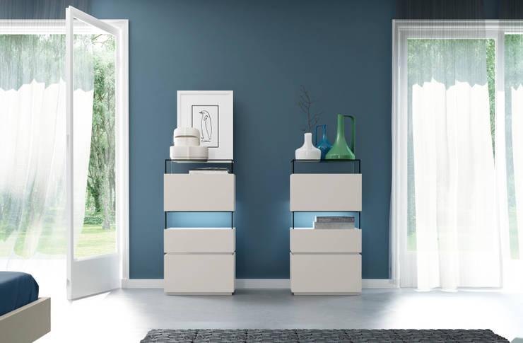 Dormitorio URBAN con inserciones de cerámica de EMEDE: Dormitorios de estilo minimalista de EMEDE
