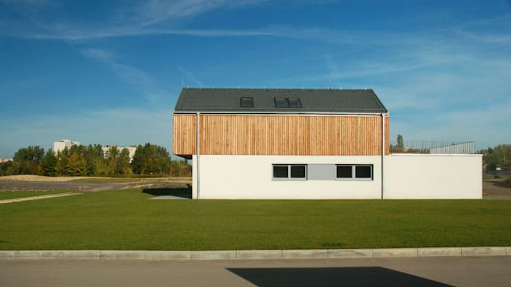 Osiedle Srebrne Stawy – dom typ B: styl , w kategorii Domy zaprojektowany przez j.krysiak