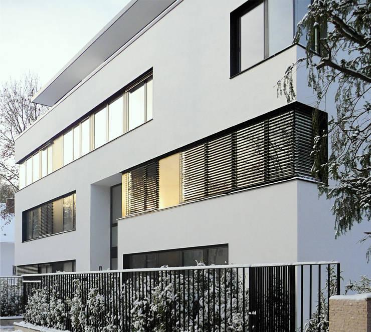 straßenfassade nord / ost:  Häuser von beissel schmidt architekten,